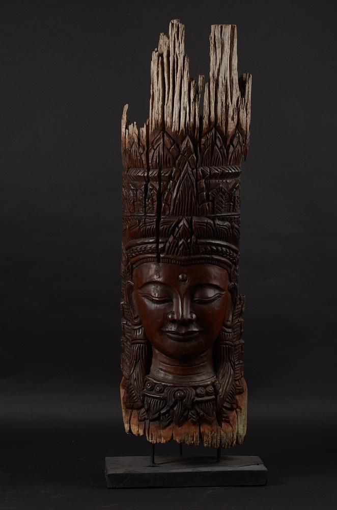 01707109ff9 Barmská maska